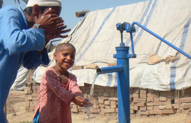 Hollanda'daki Sivaslılar, Pakistan'da su kuyusu açtı